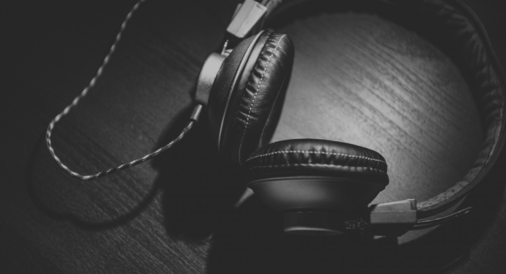 5 Signs It's Time To Upgrade Your Headphones