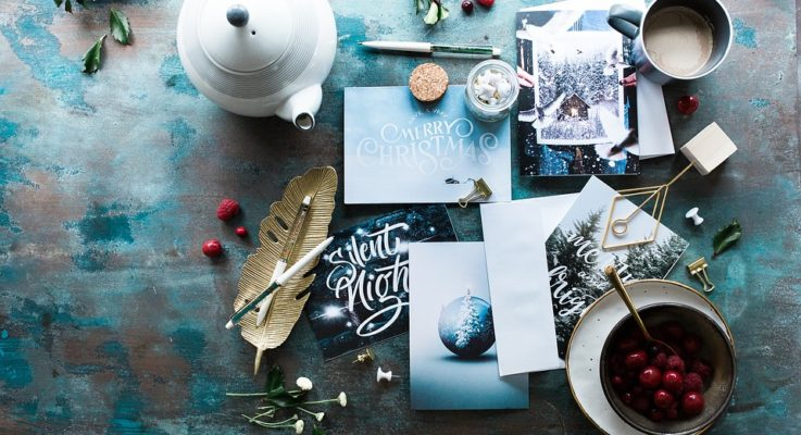 How to Make Your Christmas Cards and Gifts More Personal